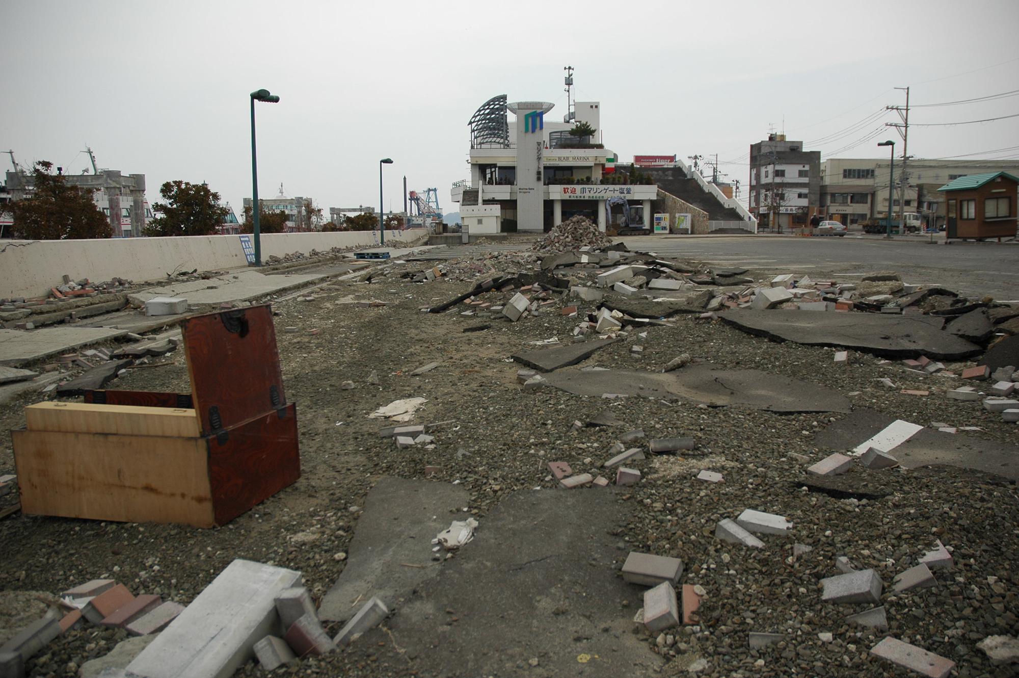 東日本大震災 塩釜港