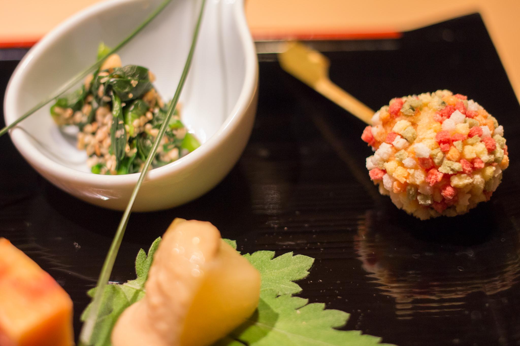 星野リゾート 界 伊東 夕食 菜の花利休和え じゃがいもの五色饅頭 八寸