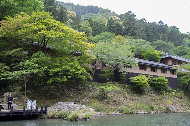星のや 京都 川を上る